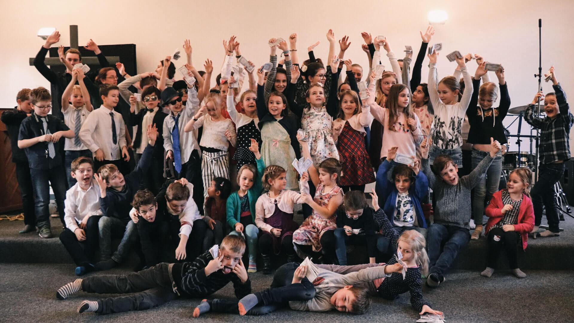 glow Ameisli und glow Kids_Wochenmail_0520