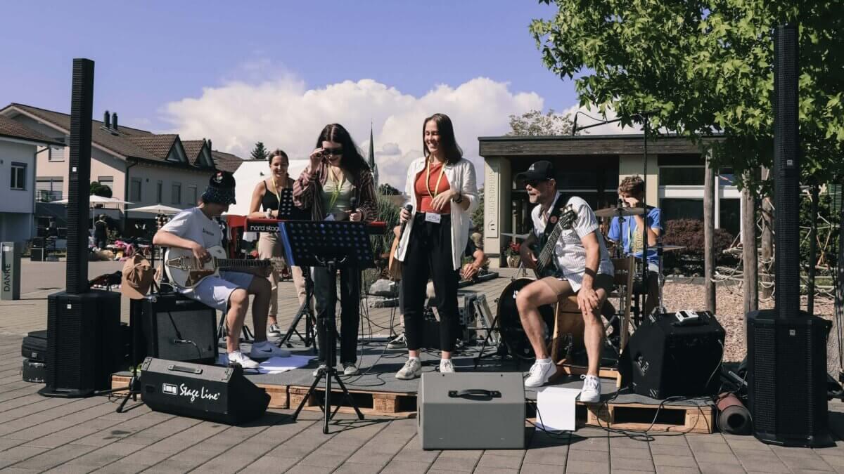 Unsere Musiker sorgten für gute Stimmung am Flohmarkt.